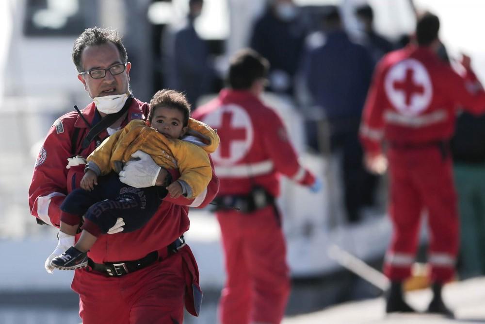 Cruz Vermelha está contratando profissional trilíngue