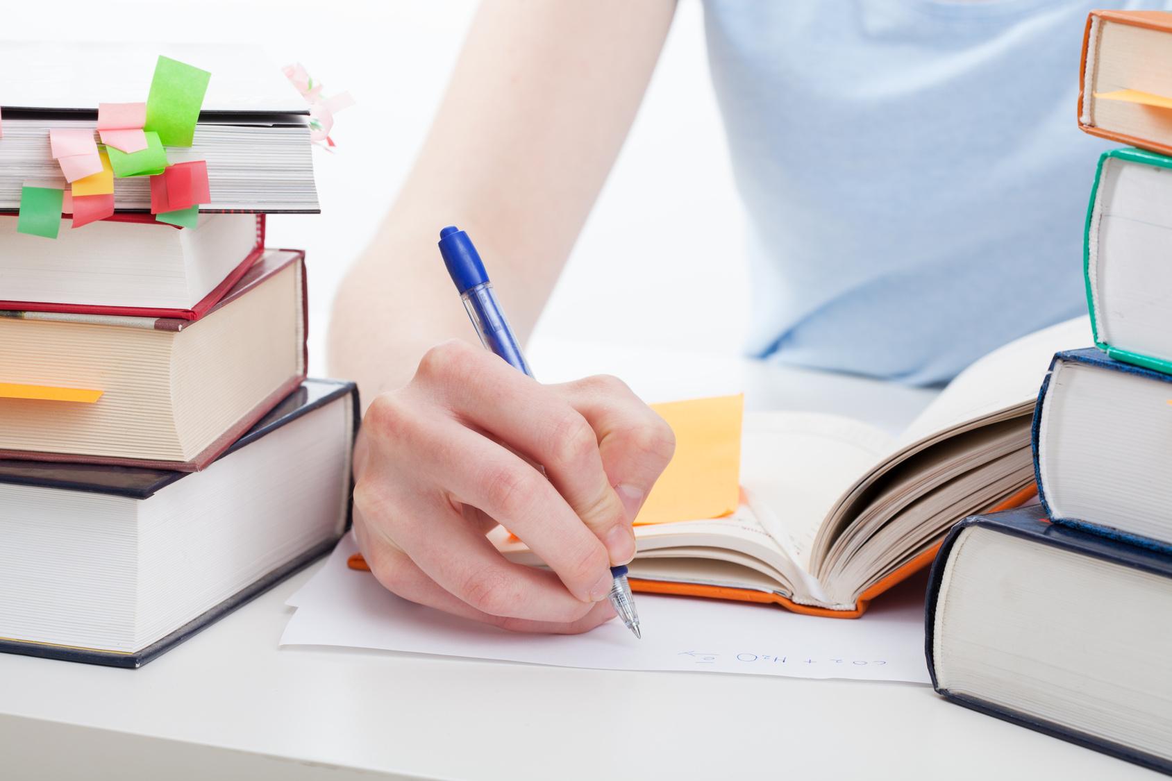 Como se preparar sozinho para provas de proficiência?