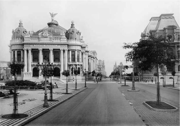 Reforma Pereira Passos – A primeira grande revitalização da cidade do Rio.