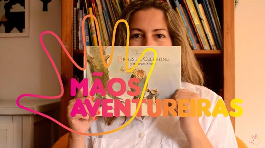 Professora cria canal no Youtube em Libras para crianças onde conta histórias infantis
